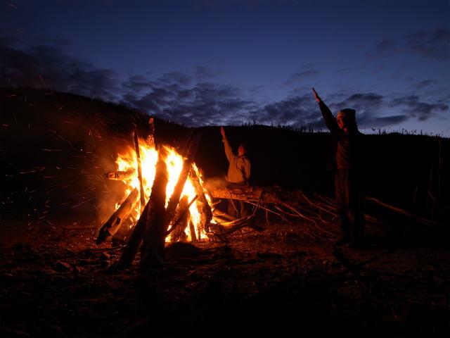 ユーコン川でオーロラとキャンプ (8)