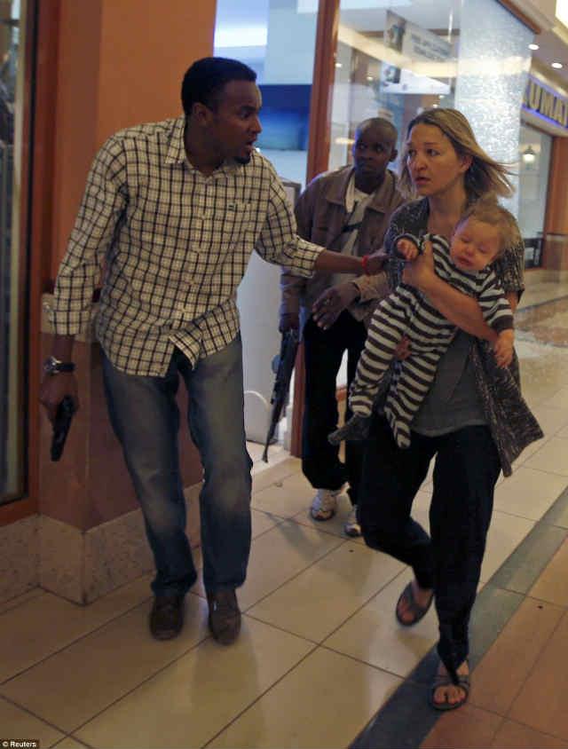 ナイロビのショッピングモールで銃撃戦 (3)
