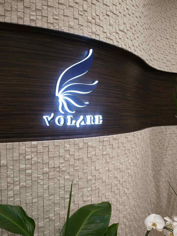 高橋飛翔とヴォラーレ株式会社の五反田新オフィス見学 (3)