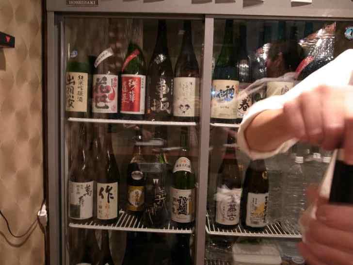 名古屋栄の立ち飲み日本酒Bar八咫(やた)の利き酒コース1時間1500円がお得でおいしいのでおすすめ! (2)