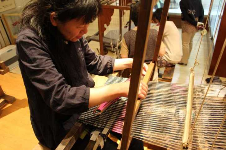 裂き織り体験教室で学ぶ「機織り機の仕組み」 (10)