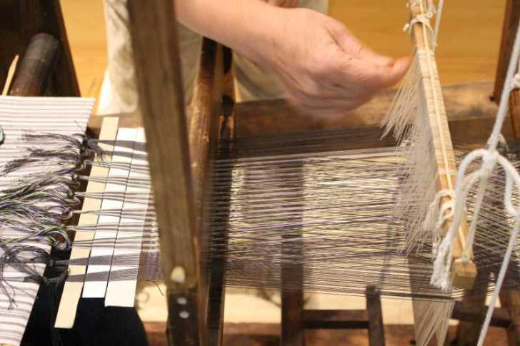 裂き織り体験教室で学ぶ「機織り機の仕組み」 (5)