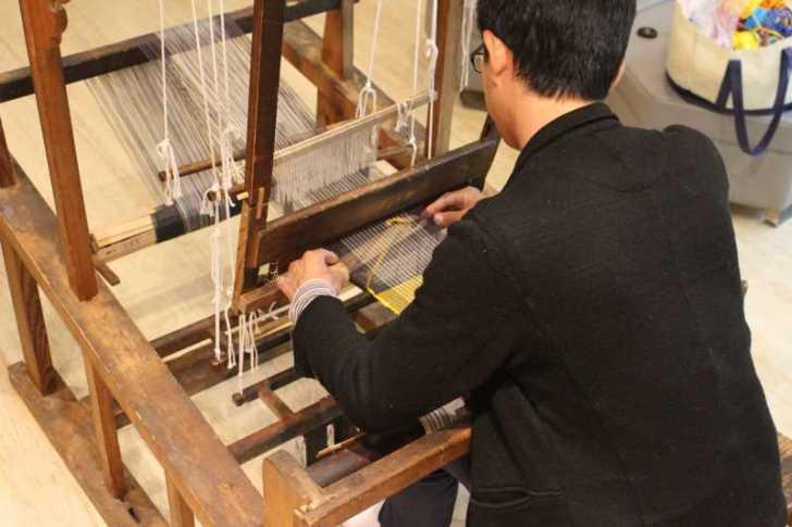 裂き織り体験教室で学ぶ「機織り機の仕組み」 (20)