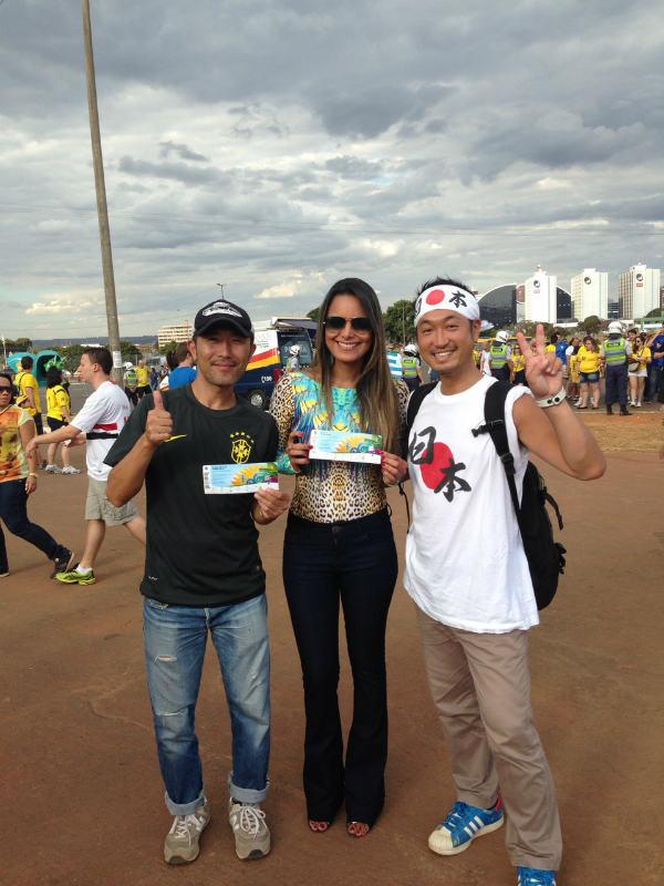 ブラジルW杯現地で出会った美女サポーターの写真画像[美人女子シリーズ] (13)