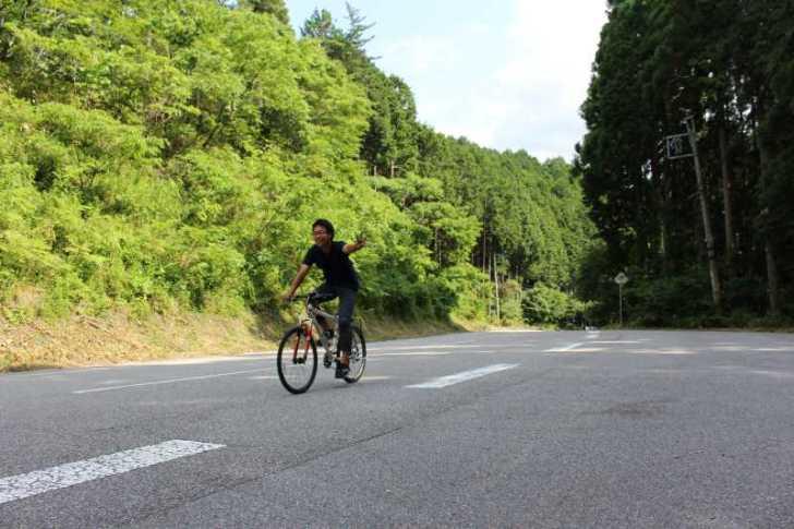 愛知県新城市作手の「鳴沢の滝」までサイクリングして泳いでみた! (2)