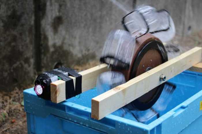 小水力発電をキットではなく身近なもので自作してみた (12)