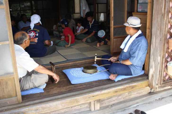 愛知県新城市の作手菅守地区で「百万遍念仏」を唱えて無病息災を願いました! (2)