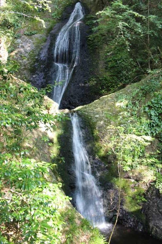 愛知県唯一の日本の滝100選である新城市「阿寺の七滝」に情緒あり (1)