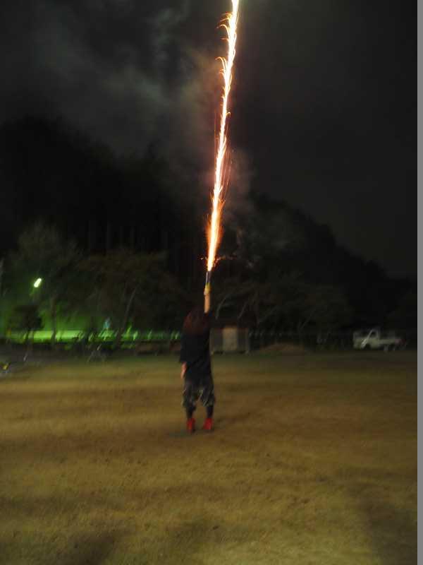 東京・浅草橋「長谷川商店」で購入した花火でミニ花火大会をやってみた! (7)