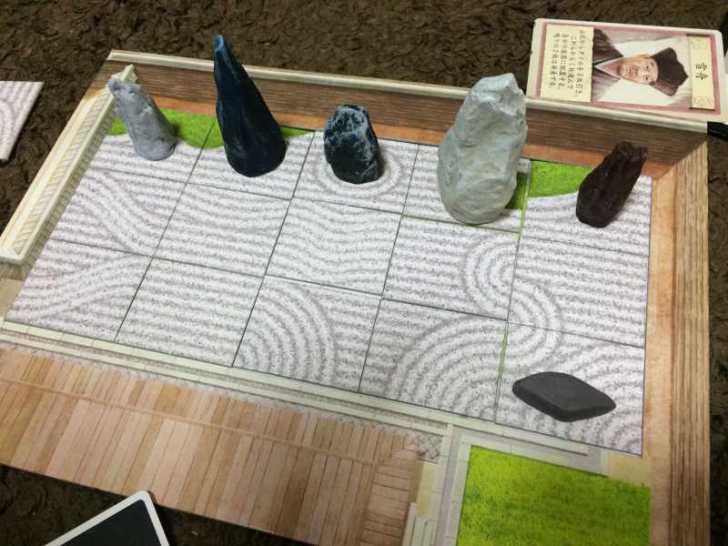 趣のある庭園をつくるボードゲーム「枯山水」で徳を積む【レビュー】 (7)