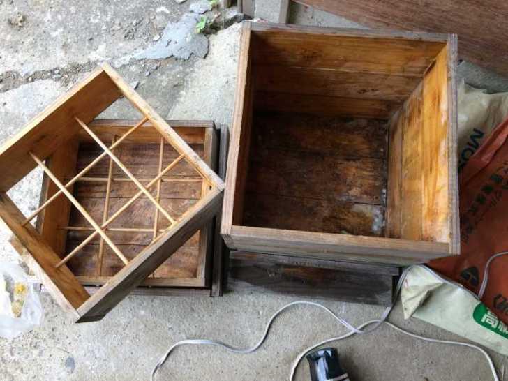 日本みつばち用の巣箱に蜜蝋を塗り、雨に濡れないように屋根を作った! (4)