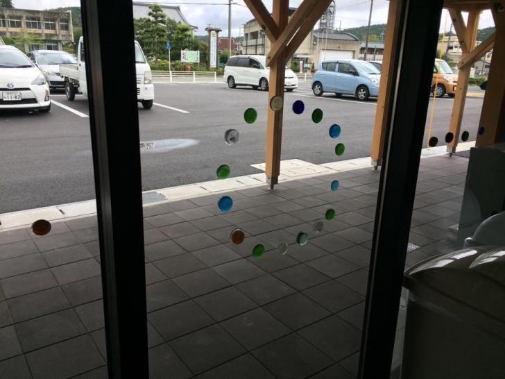 おしゃれなガラス玉を貼るワークショップで子供が大盛り上がり!【つくでまめな会】 (14)