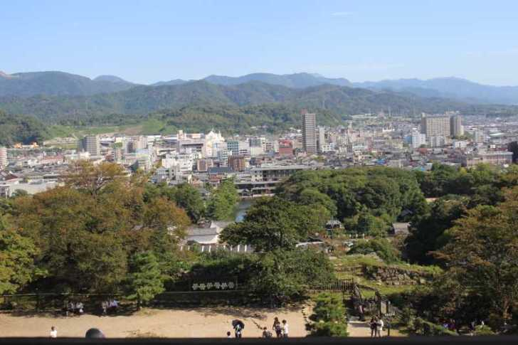 彦根城は行くべきだけど、隣の玄宮園が超おすすめ! (7)