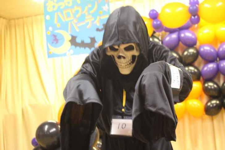 お寺でのハロウィンパーティー開催!仮装しての謎解きが色とりどりで楽しすぎる! (6)