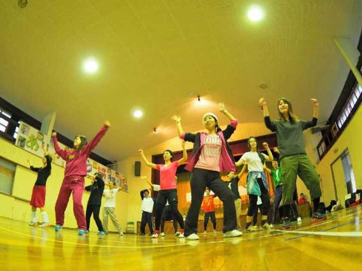 大人の修学旅行を企画したよ!廃校でのダンスやドッジボール、温泉街でのコスプレ謎解き【愛知県新城市】 (6)