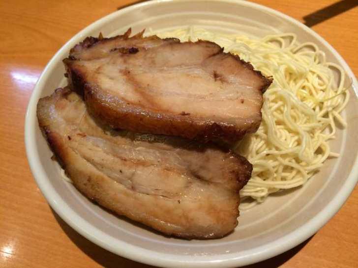 大阪を経由するときにおすすめのラーメン屋「なんば駅の神虎」「新大阪駅の武者麺」 (3)