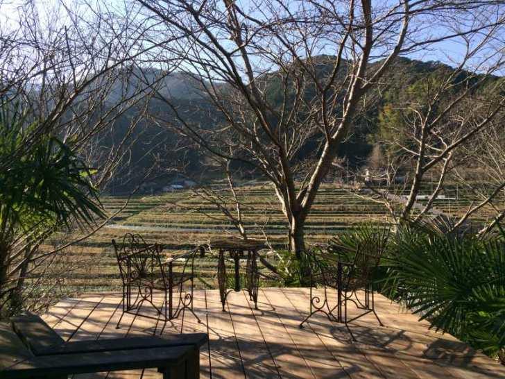 セルフビルドの面白い家が立ち並ぶ理想空間が和歌山にあった!【アースバックハウス・ストローベイルハウスetc】 (31)