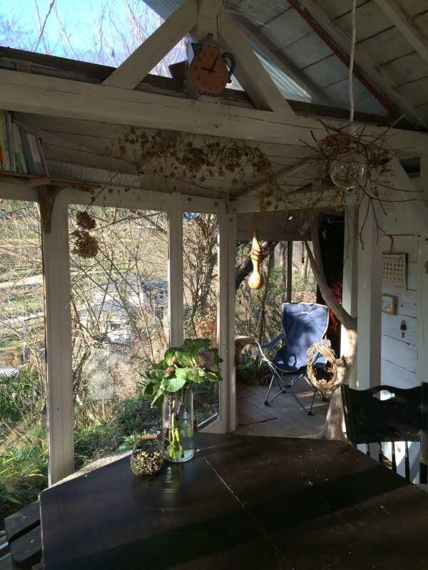 セルフビルドの面白い家が立ち並ぶ理想空間が和歌山にあった!【アースバックハウス・ストローベイルハウスetc】 (7)