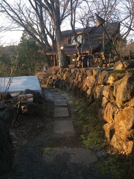 伊豆のスターヒルズのログハウスと作りかけのアースバックハウスがすごすぎた!【静岡】 (40)