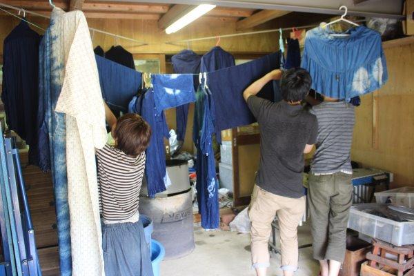 藍染めのワークショップを開催したよ。衣食住の衣のワークショップって珍しいのかも。 (19)