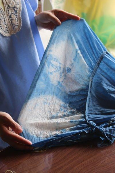 藍染めのワークショップを開催したよ。衣食住の衣のワークショップって珍しいのかも。 (8)