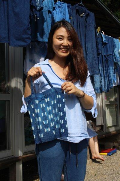 藍染めのワークショップを開催したよ。衣食住の衣のワークショップって珍しいのかも。 (17)