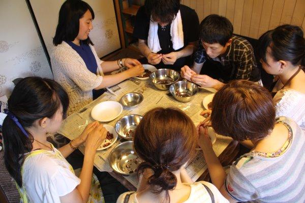 輸入したカカオ豆からチョコレートを作るワークショップを開催!真のチョコレートの作り方!! (12)