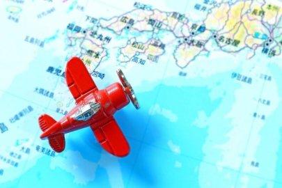 地図と飛行機
