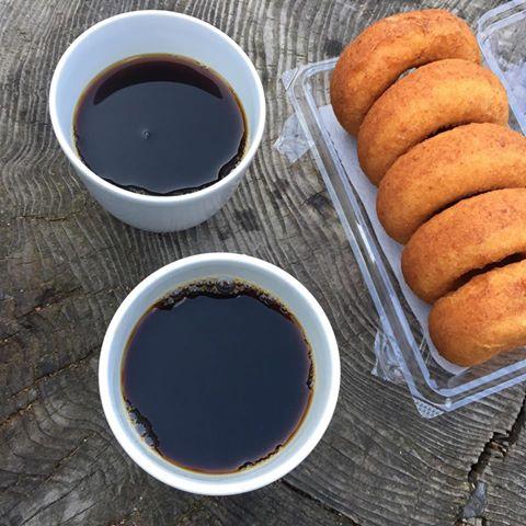 湧き水コーヒーとおからドーナツ