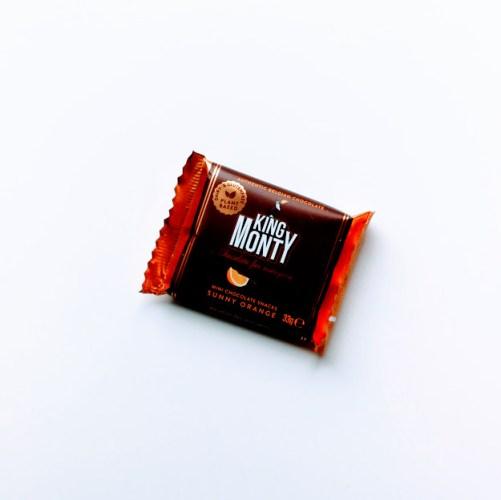 Sunny Orange Snacking Size vegan chocoalde King Monty