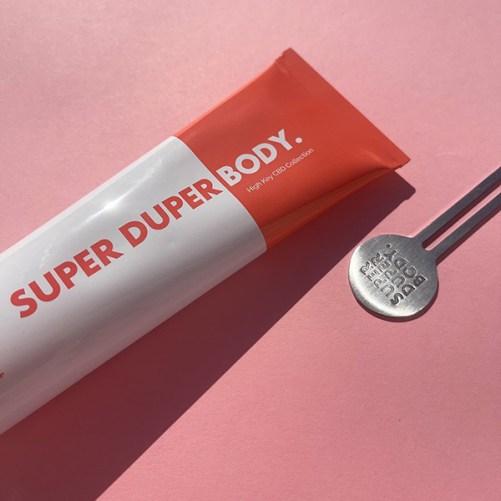 super duper body drop the dirt vegan gezichtsreiniger met CBD