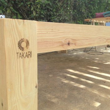 TAKARI - Pied de sommier en palettes