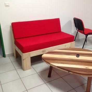Banquette en palette et table en chutes de bois de Guyane - TAKARI DESIGN