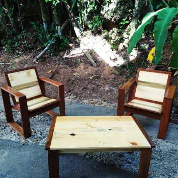 Fauteuils et table basse en Angélique et palettes - TAKARI DESIGN - Guyane - La Fabrique du Dégrad