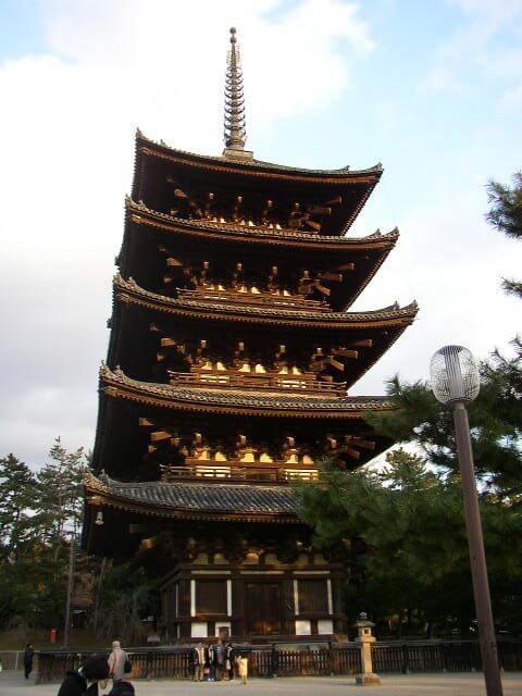 奈良県奈良公園興福寺五重塔
