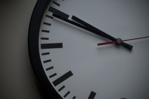 clock-897711_640