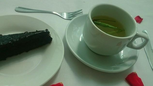 chocolate cake | tarragon tea