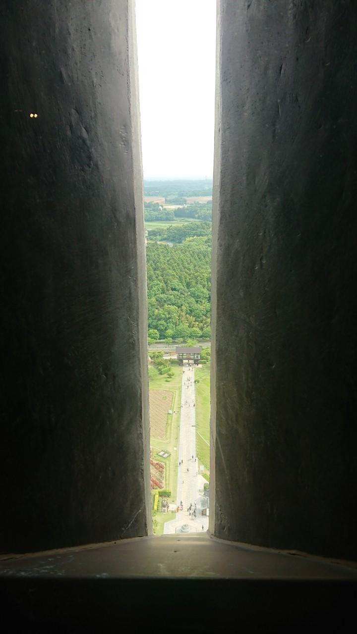 牛久大仏の窓