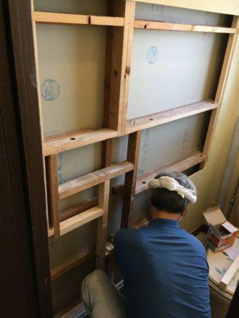 埋込収納戸壁補強のための下地を作ります
