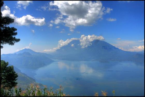 Lago de Atitlan mirador HDR