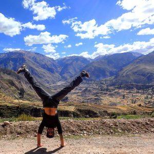 Handstand Peru