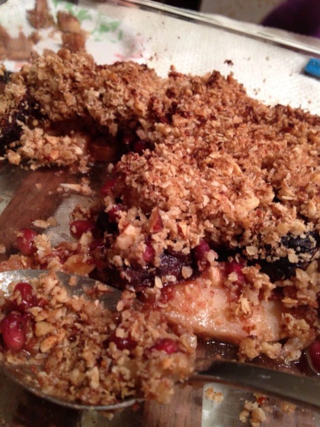 Apple, Fig & Pomegranate Crisp for #SundaySupper