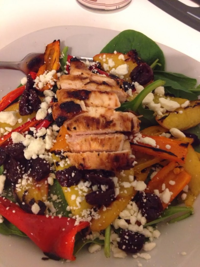 Grilled Pepper and Peach Salad with Honey Balsamic Vinaigrette #PepperParty