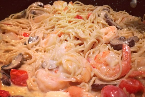 Creamy Gruyere Pasta with Shrimp, Tomatoes, and Mushrooms #CKMondaviHeros