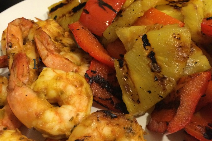 Grilled Mango-Sriracha Shrimp, Pineapple and Peppers #winePW