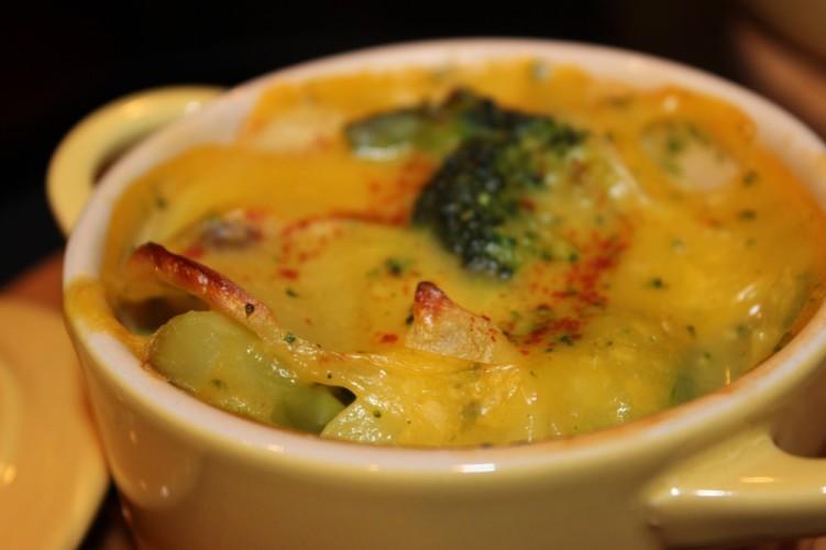 cheesy broccoli and potato casserole #getyourbettyon