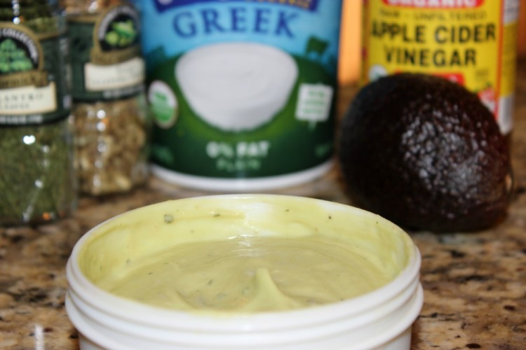 5 Ingredient Creamy Avocado Dressing #SundaySupper