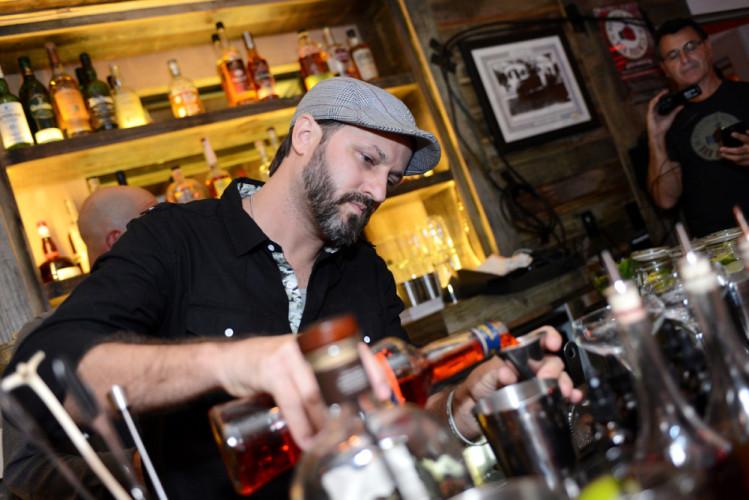 bar-brawls-week-4
