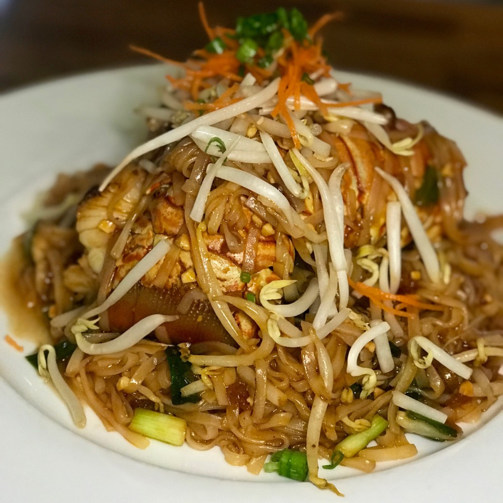 Lemongrass Asian Bistro Delray Beach, Lobster Pad Thai