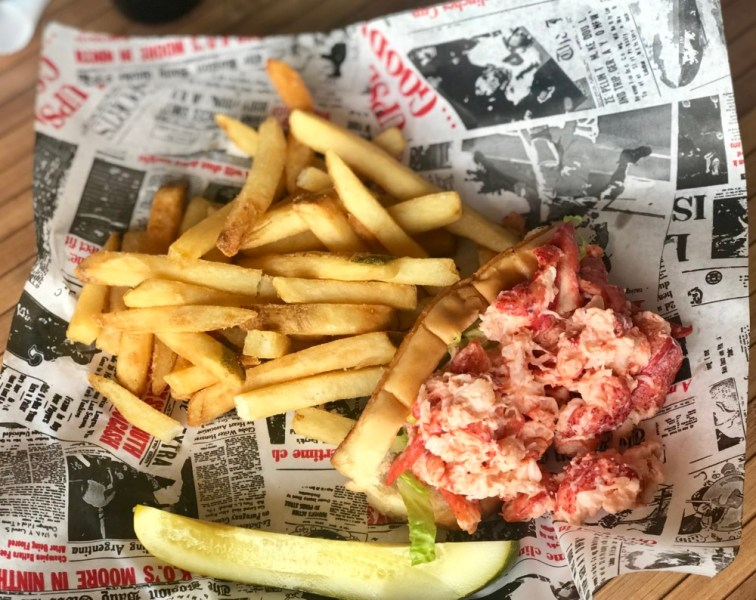 Boston's on the Beach Delray, Lobster Roll